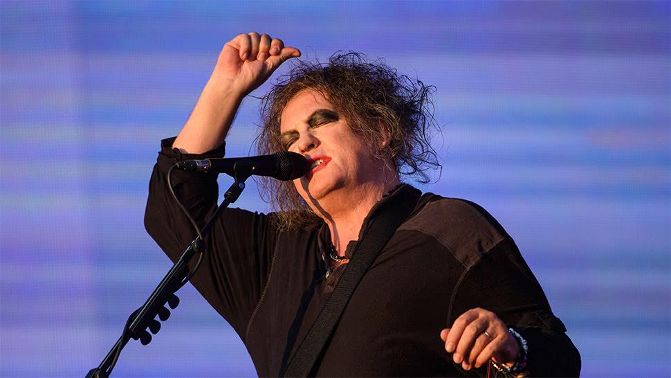 Üretkenliğinin zirvesindeki The Cure'dan üç yeni albüm müjdesi